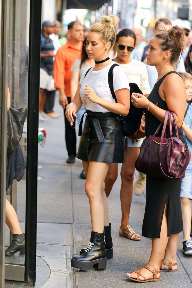 Ashley Tisdale In Mini Skirt 98