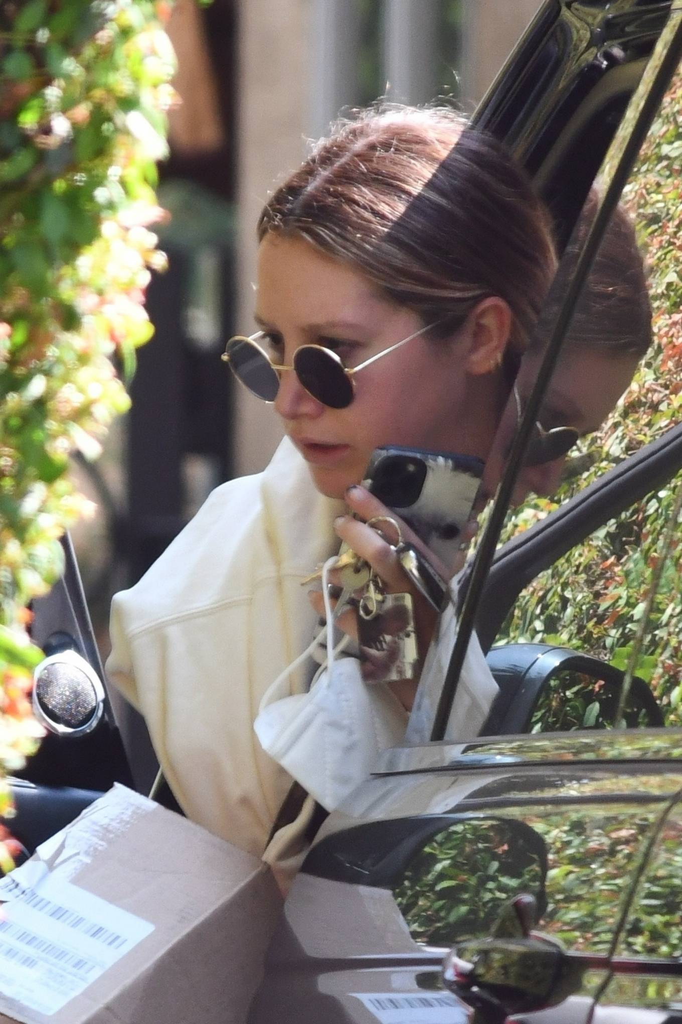 Ashley Tisdale 2020 : Ashley Tisdale – Looks sporty while visits her mom in Toluka Lake-05