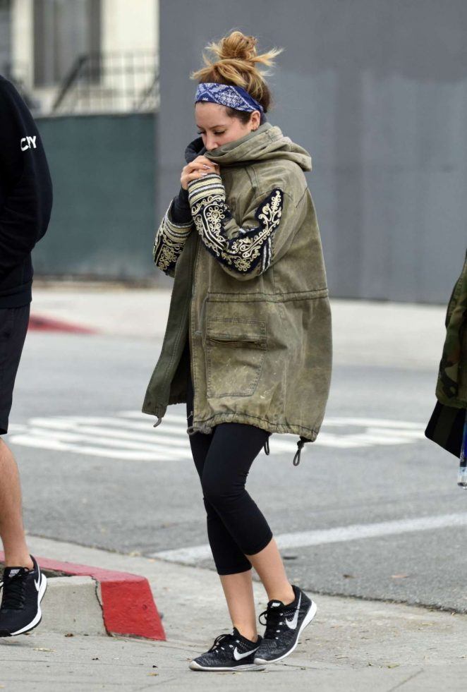 Ashley Tisdale Out for lunch in West Hollywood