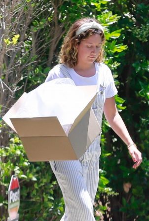 Ashley Tisdale - Outside her home in Los Feliz