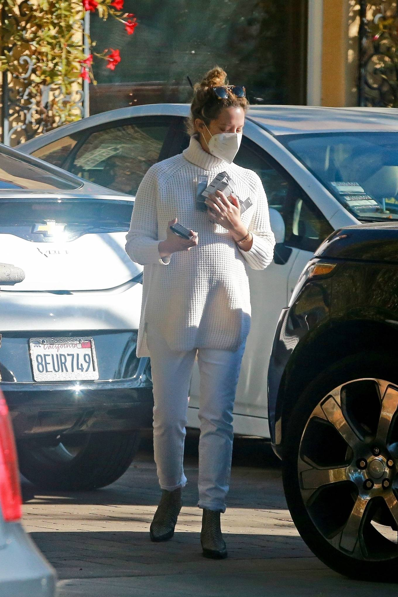 Ashley Tisdale 2020 : Ashley Tisdale – Running errands in Los Angeles-05