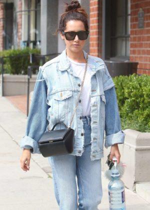 Ashley Tisdale - Seen visited Anastasia Beverly Hills