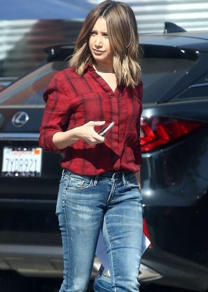 Ashley Tisdale - Visits a studio in Venice
