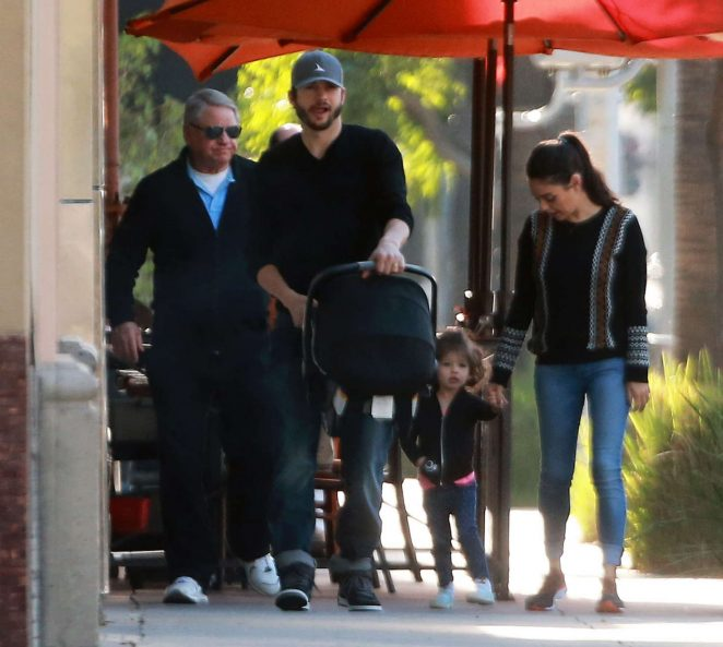 Ashton Kutcher & Mila Kunis Get With Their Children out in Los Angeles -03