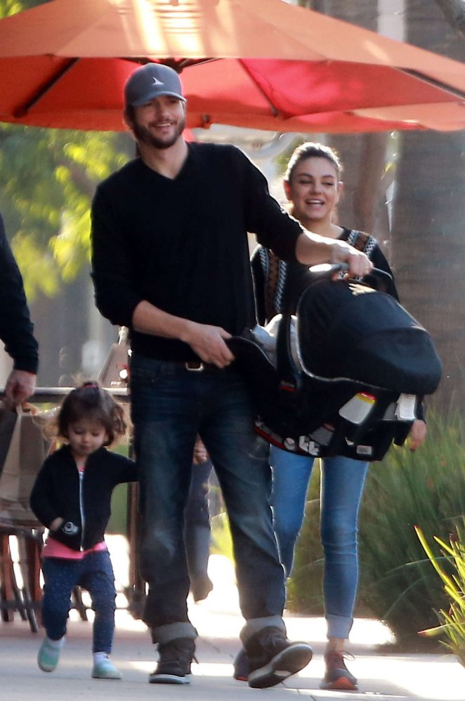 Ashton Kutcher & Mila Kunis Get With Their Children out in Los Angeles -06