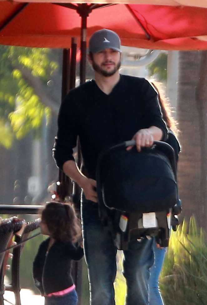 Ashton Kutcher & Mila Kunis Get With Their Children out in Los Angeles -09