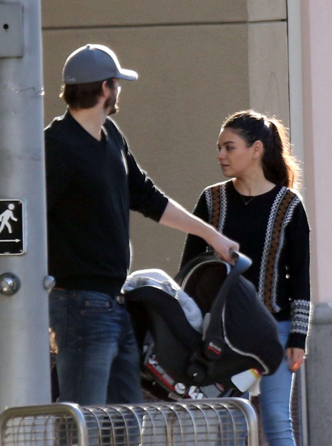 Ashton Kutcher & Mila Kunis Get With Their Children out in Los Angeles -17