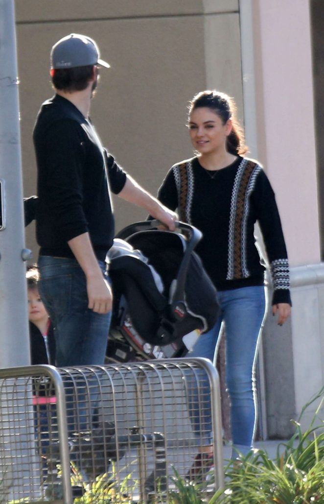 Ashton Kutcher & Mila Kunis Get With Their Children out in Los Angeles -19