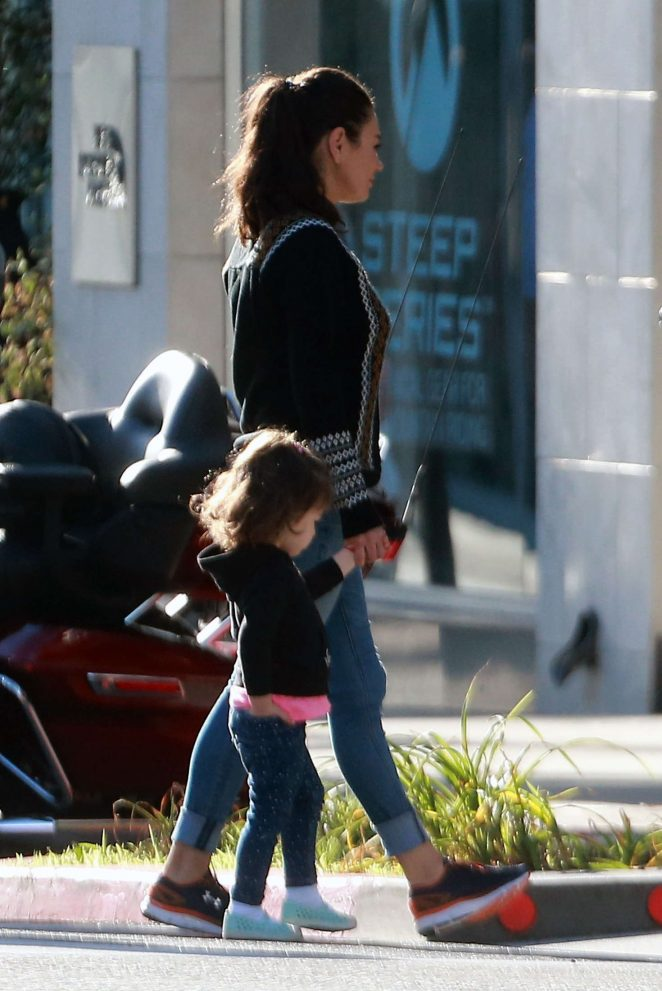 Ashton Kutcher & Mila Kunis Get With Their Children out in Los Angeles -20