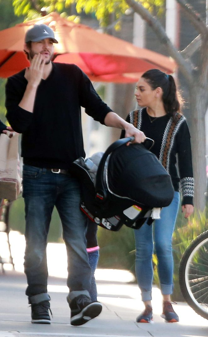 Ashton Kutcher & Mila Kunis Get With Their Children out in Los Angeles -21