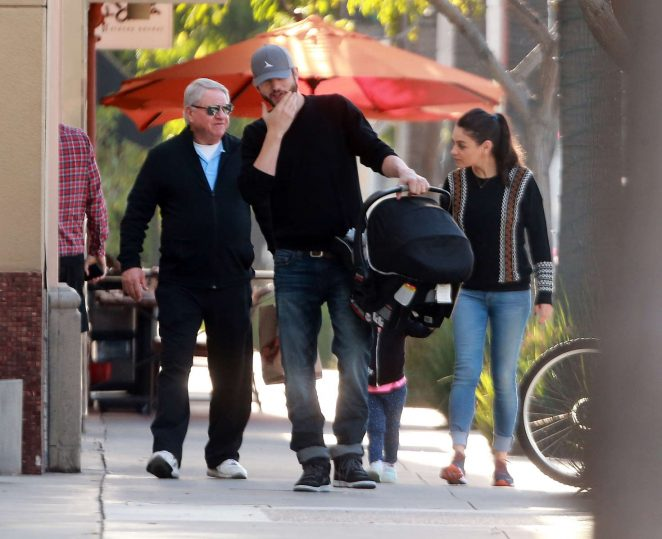 Ashton Kutcher & Mila Kunis Get With Their Children out in Los Angeles -22