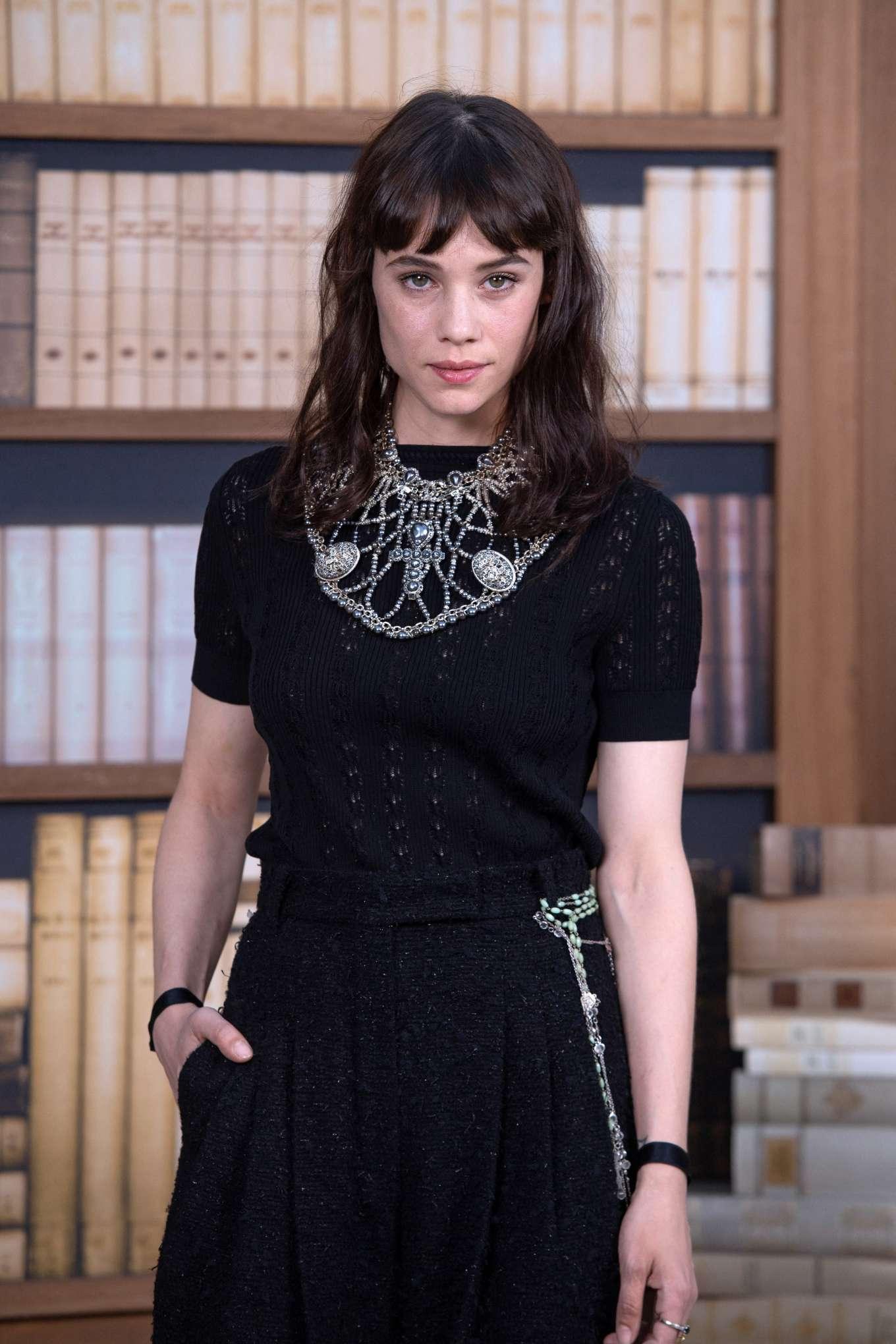 Astrid Berges-Frisbey - 2019 Paris Fashion Week - Chanel Haute Couture FW 19-20