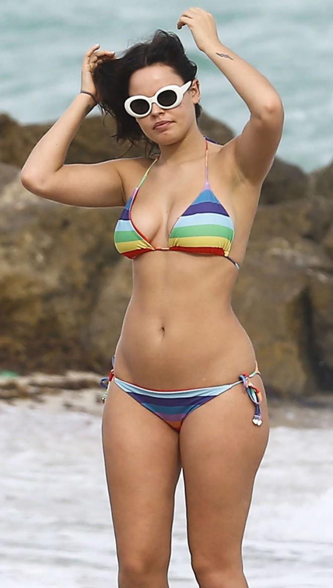 Atlanta de Cadenet Taylor - Bikini Candids in Miami