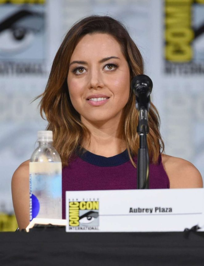 Aubrey Plaza - 2017 Legion Panel At Comic-con In San Diego