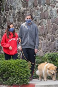 Aubrey Plaza and Jeff Baena - Spotted while walking their dogs