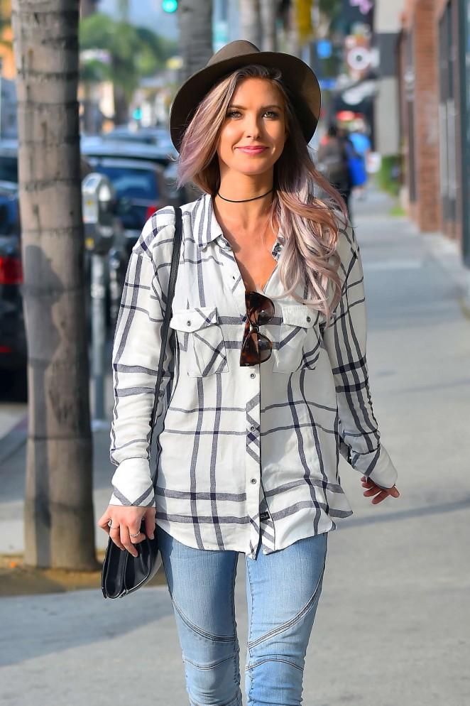 Audrina Patridge Style – Out and about in Hollywood