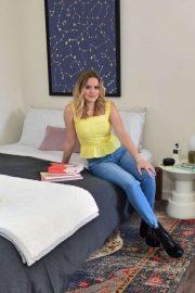 Ava Phillippe - Amazon Off to College Decorate Her Dorm Room
