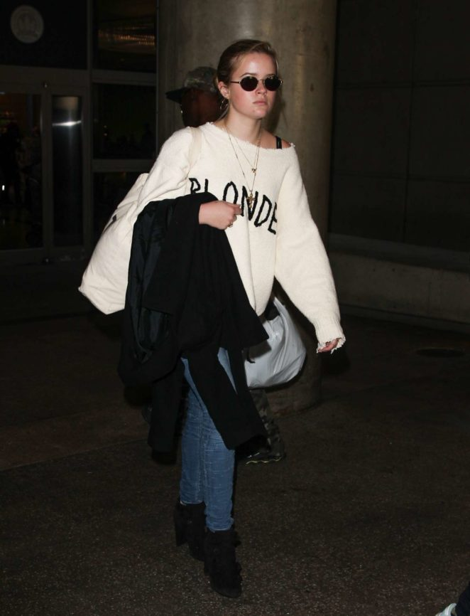Ava Phillippe - Arrives at LAX Airport in Los Angeles