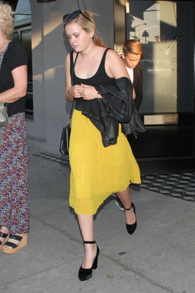 Ava Phillippe - Seen at Craig's in West Hollywood
