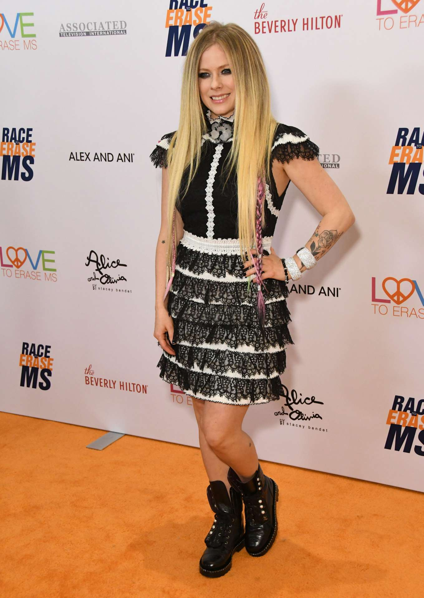 Avril Lavigne - 2019 Race to Erase MS Gala in Beverly Hills