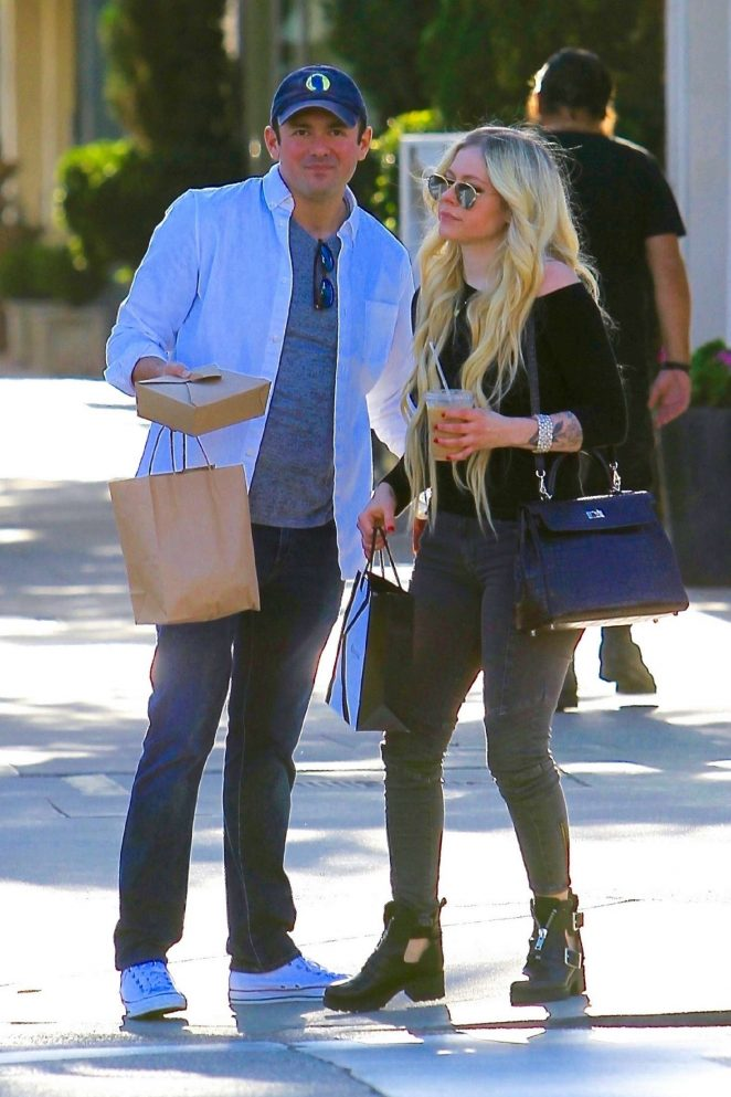 Avril Lavigne and boyfriend Phillip Sarofim – Out in Beverly Hills