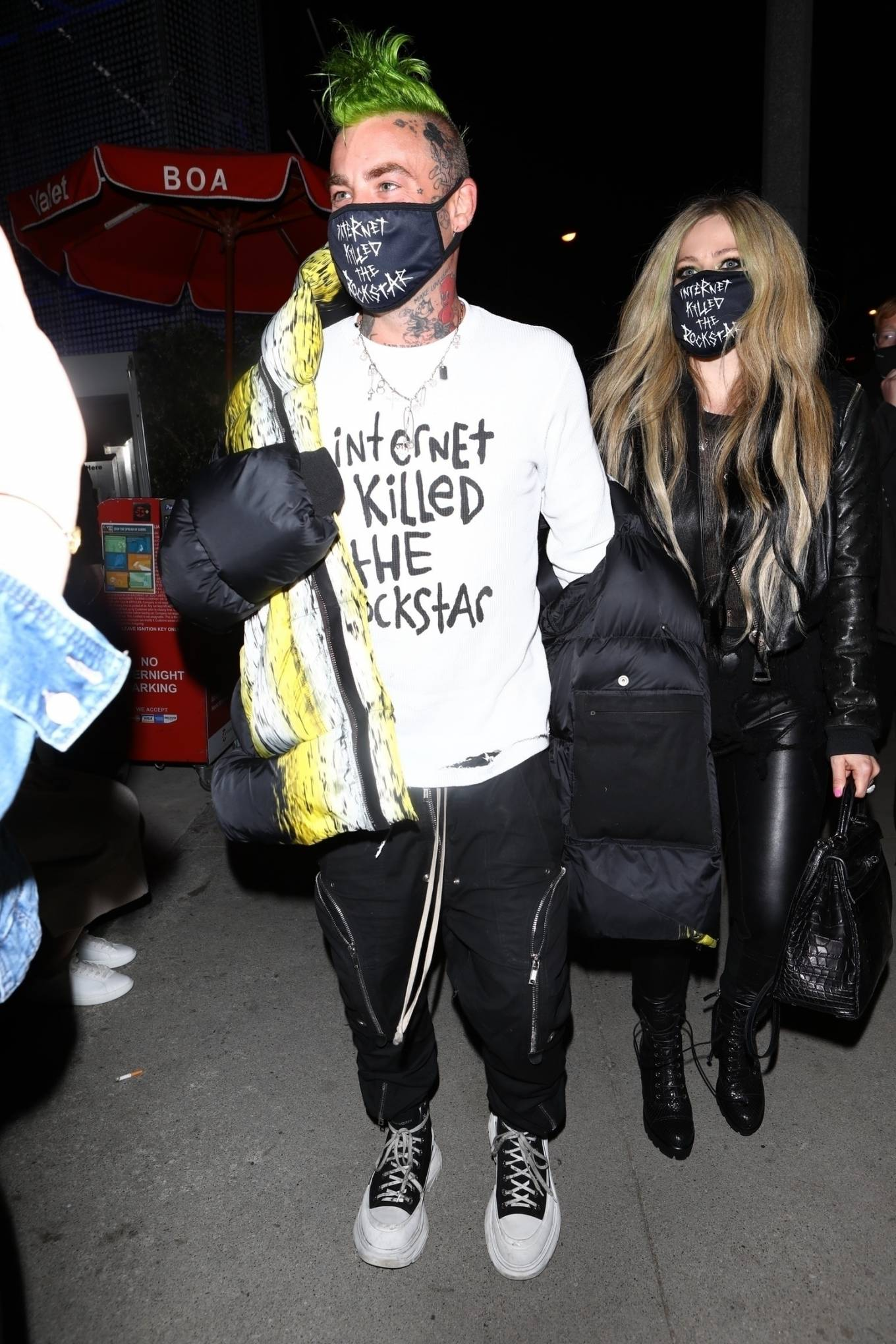 Avril Lavigne - Arrives ahead of Valentine's Day at BOA Steakhouse in West Hollywood