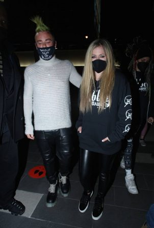 Avril Lavigne - Arrives at BOA Steakhouse for a dinner in West Hollywood