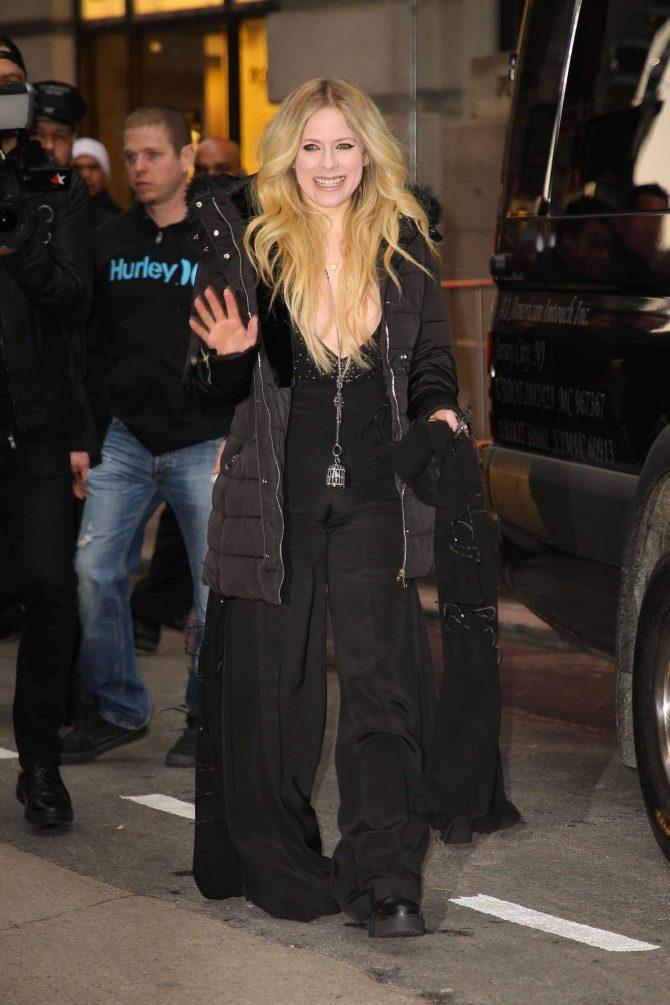 Avril Lavigne – Leaving her Hotel in New York