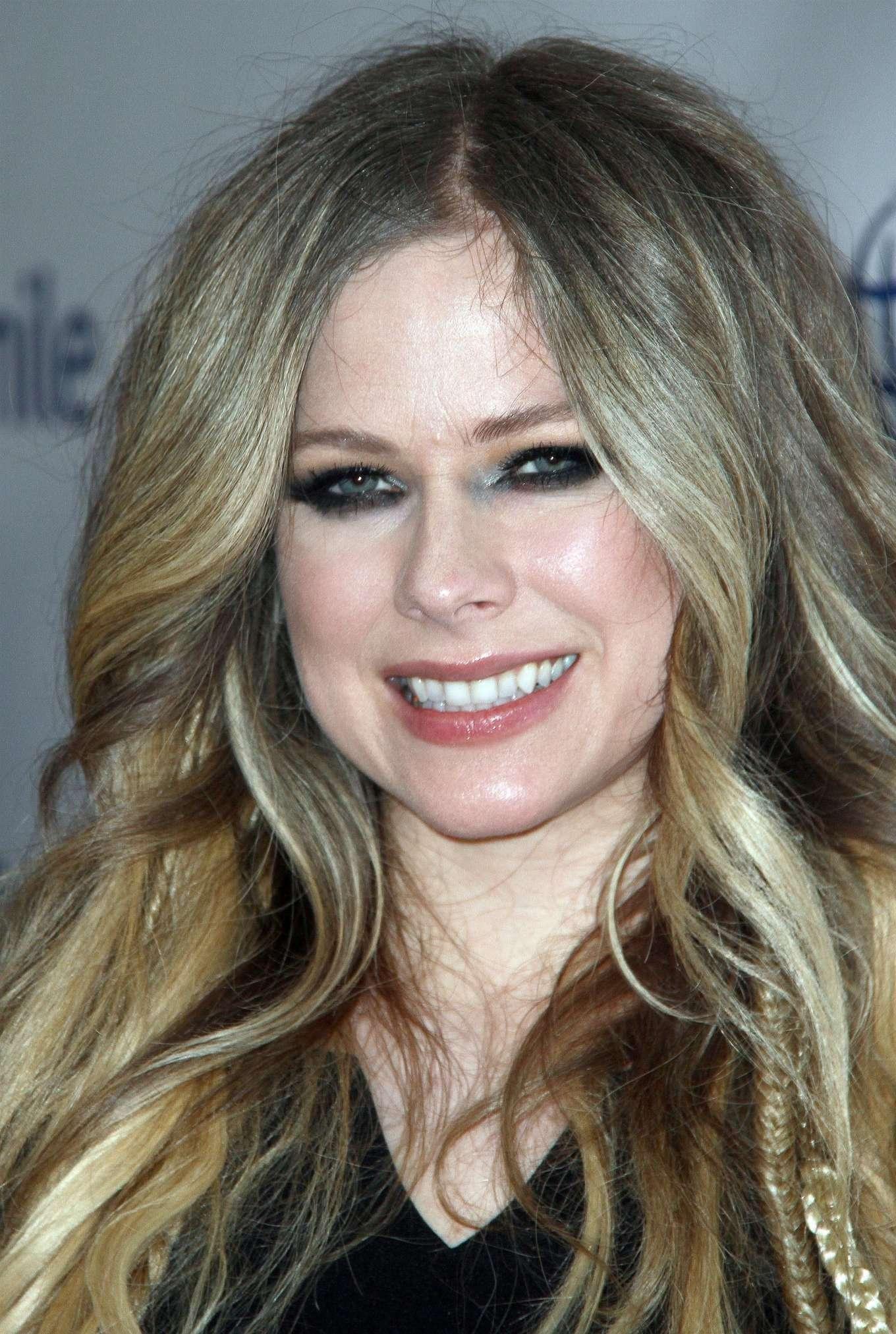 Avril Lavigne 2019 : Avril Lavigne – Operation Smile Hollywood Fight Night-02