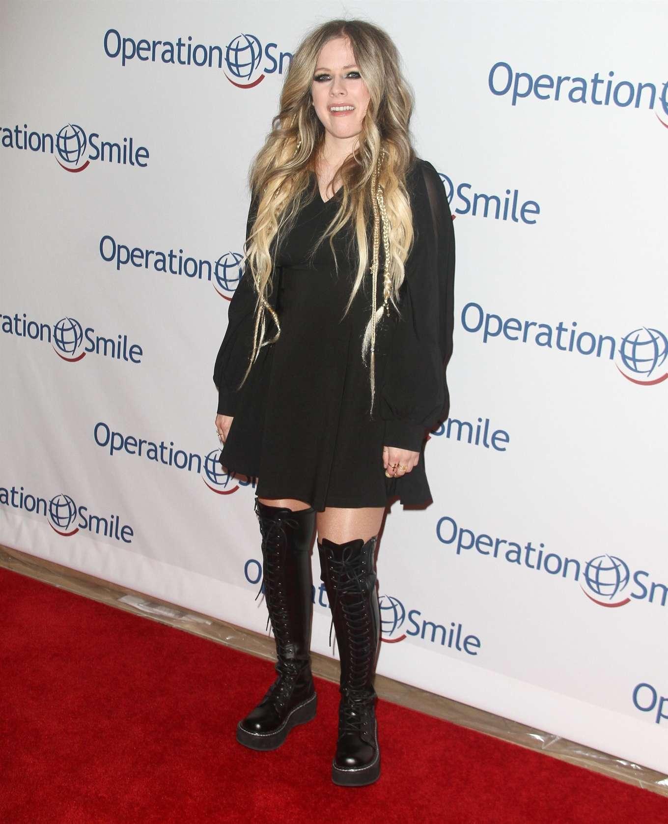 Avril Lavigne 2019 : Avril Lavigne – Operation Smile Hollywood Fight Night-03