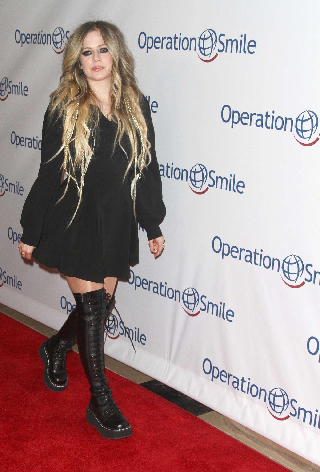 Avril Lavigne 2019 : Avril Lavigne – Operation Smile Hollywood Fight Night-05