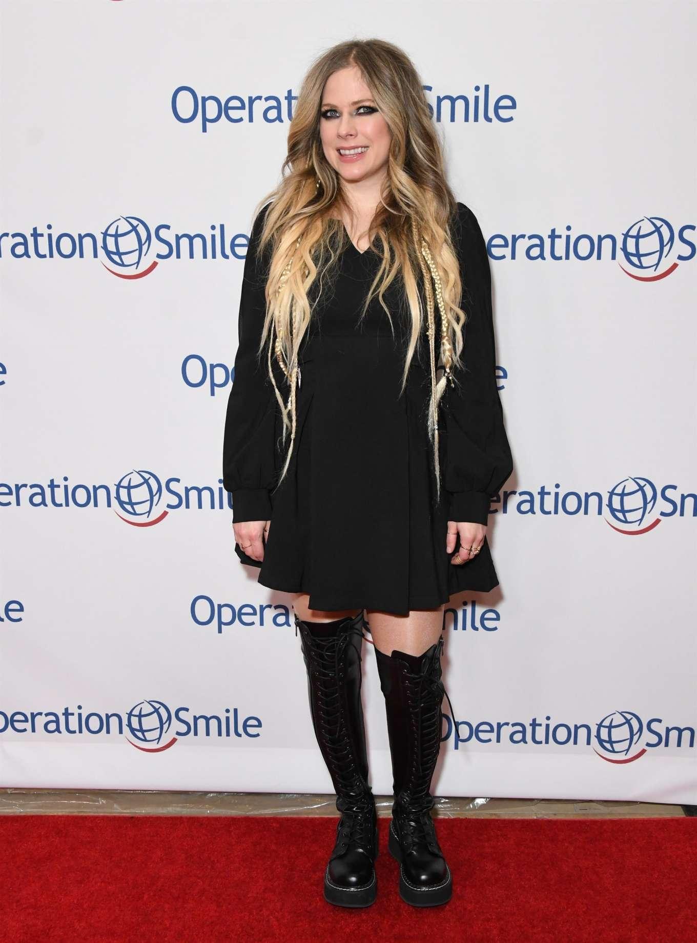 Avril Lavigne 2019 : Avril Lavigne – Operation Smile Hollywood Fight Night-07