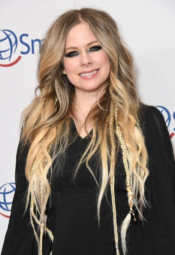 Avril Lavigne - Operation Smile Hollywood Fight Night in Beverly Hills
