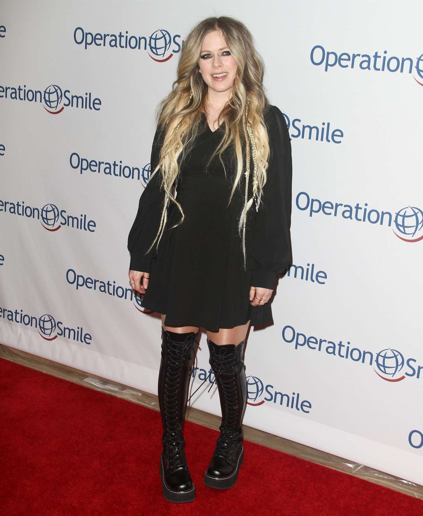Avril Lavigne 2019 : Avril Lavigne – Operation Smile Hollywood Fight Night-10