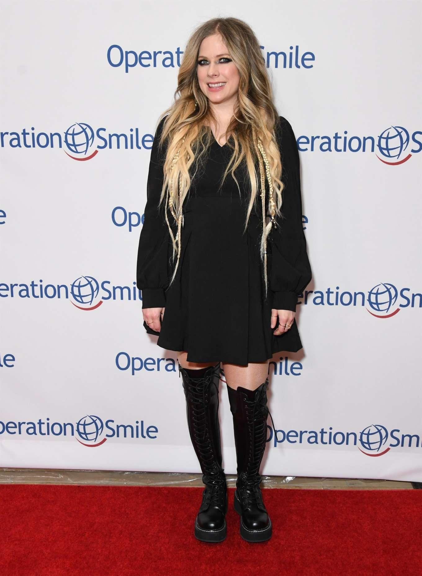 Avril Lavigne 2019 : Avril Lavigne – Operation Smile Hollywood Fight Night-13