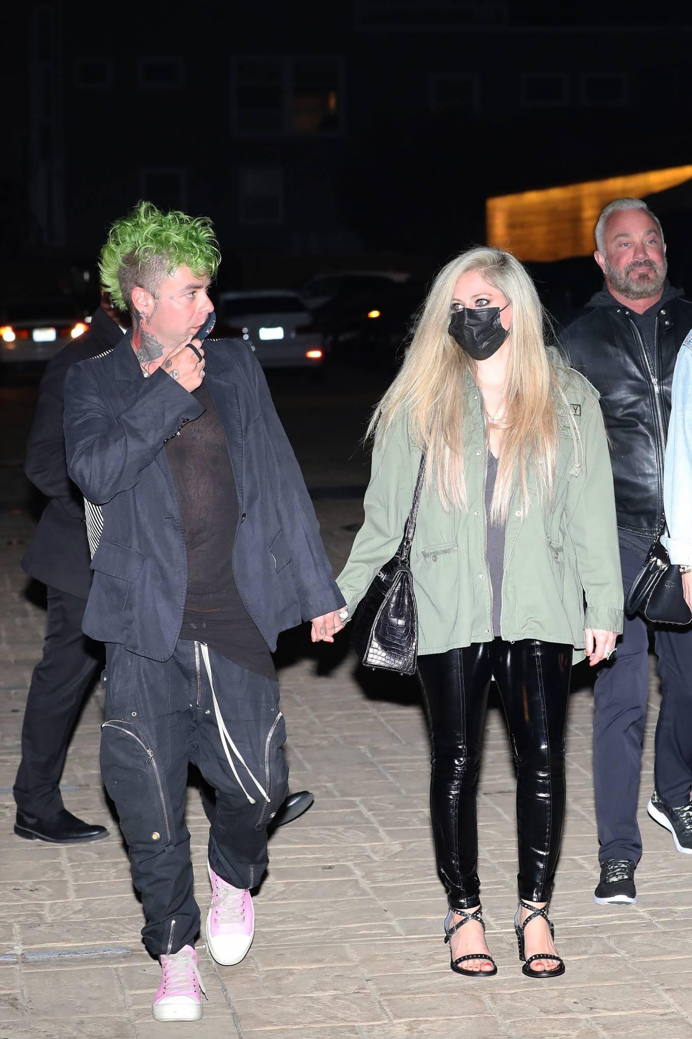 Avril Lavigne 2021 : Avril Lavigne – Out for a dinner at Nobu Malibu-01