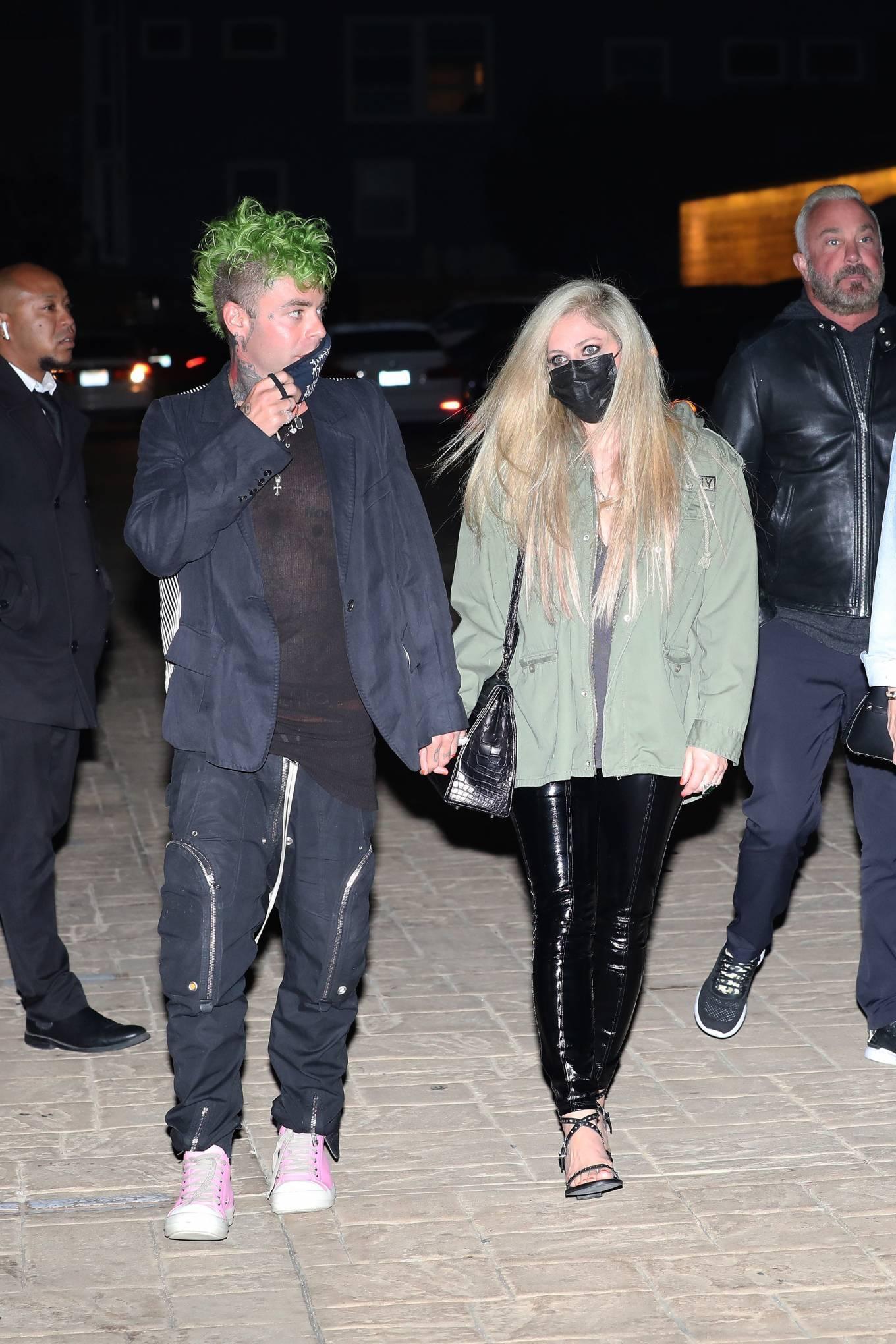 Avril Lavigne 2021 : Avril Lavigne – Out for a dinner at Nobu Malibu-05