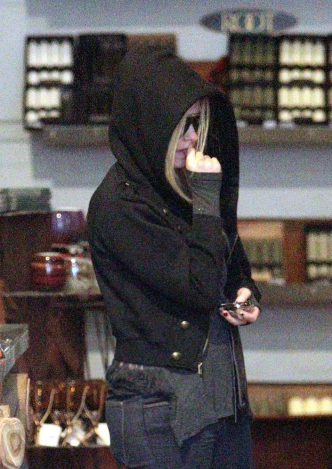 Avril Lavigne - Out Shopping in Los Angeles