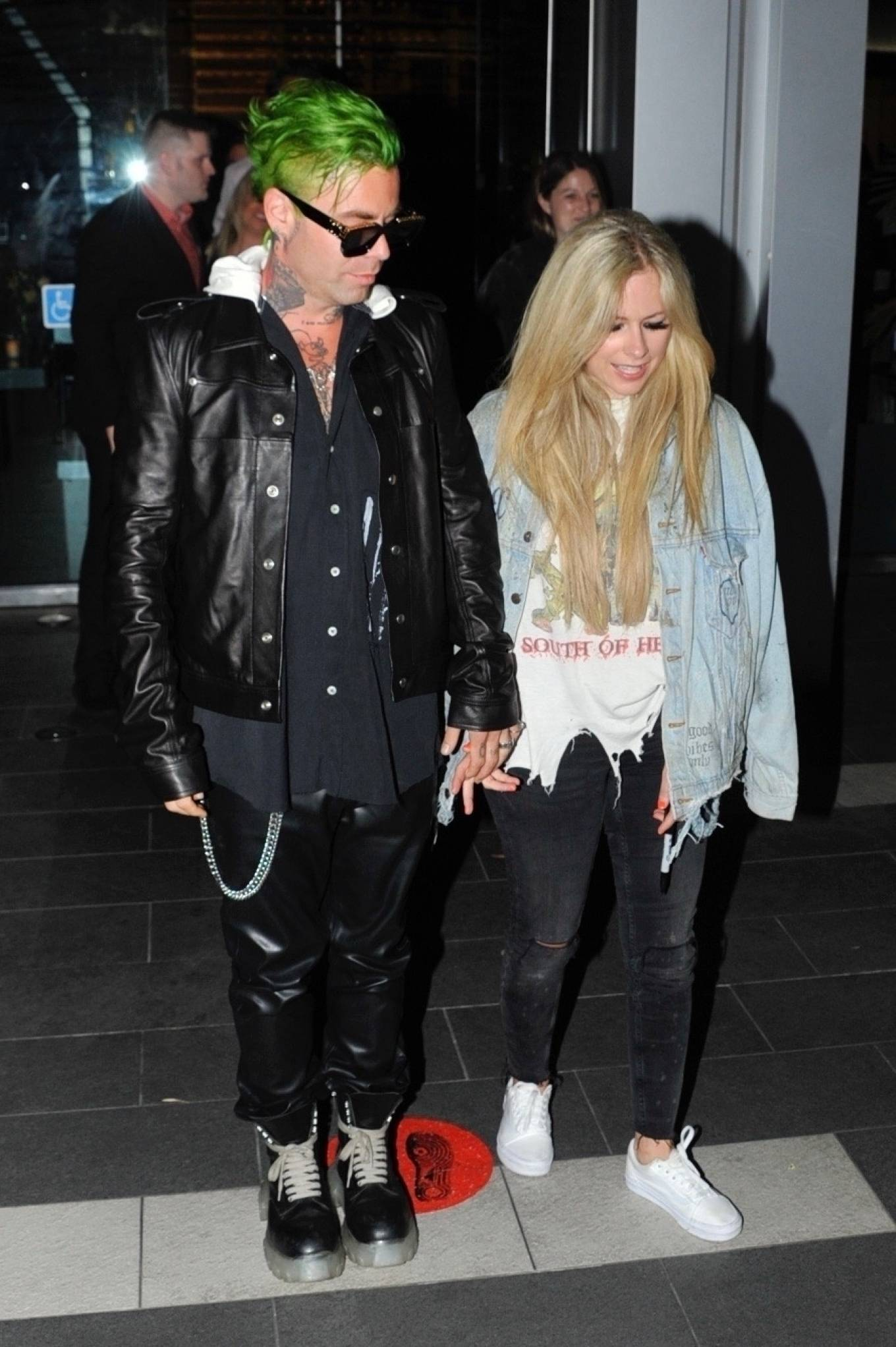 Avril Lavigne - Seen after a dinner date at BOA Steakhouse in West Hollywood