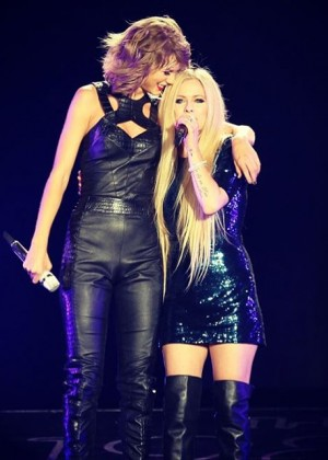 Avril Lavigne and Taylor Swift - The 1989 World Tour Live in San Diego