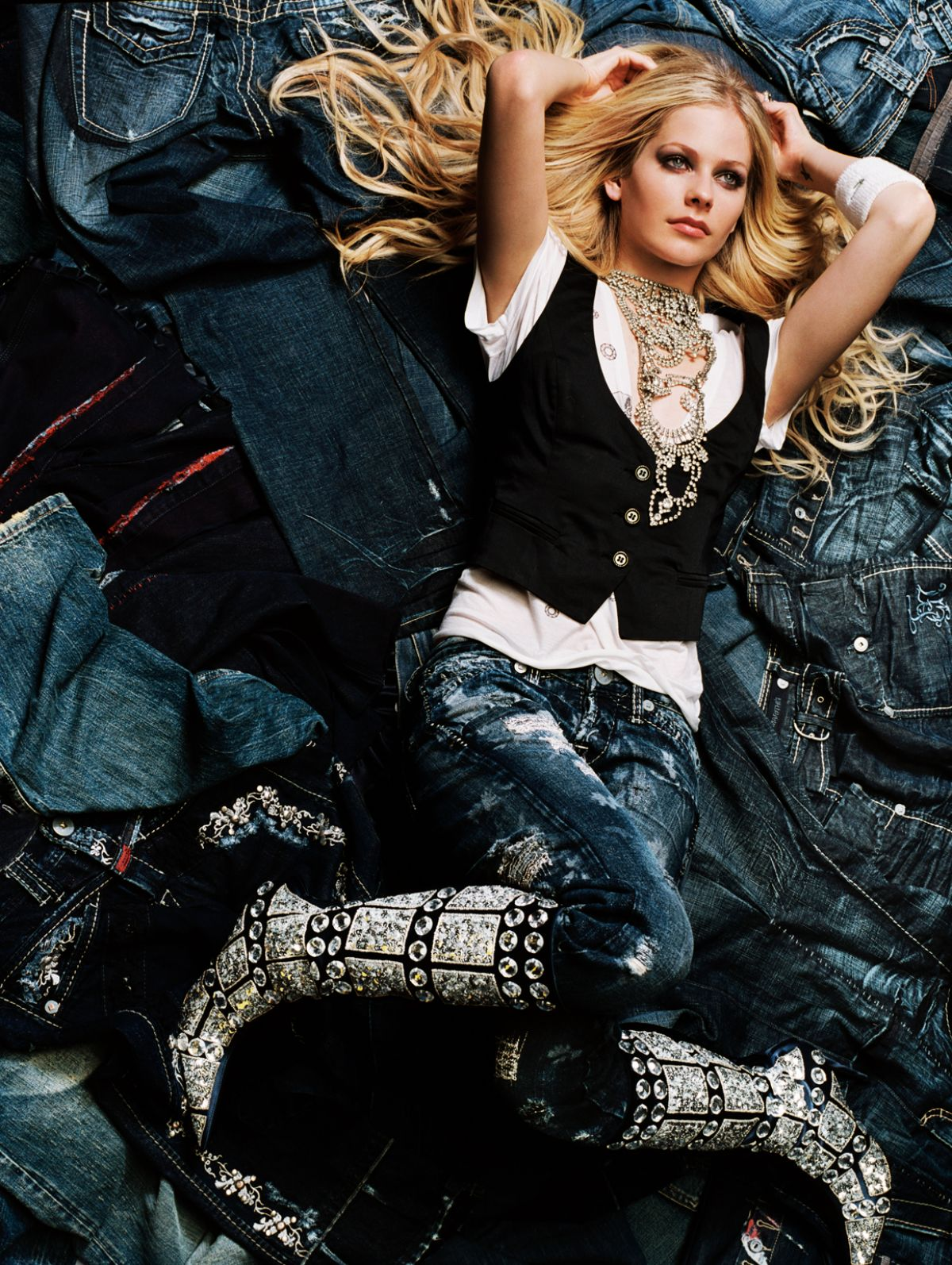 Avril Lavigne 2020 : Avril Lavigne – Vanity Fair Magazine (2006)-02