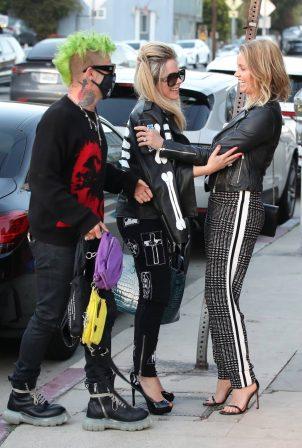 Avril Lavigne - With Mod Sun arrive for dinner at Giorgio Baldi in Santa Monica