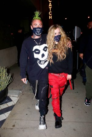 Avril Lavigne - With Mod Sun hold hands after a dinner date in West Hollywood
