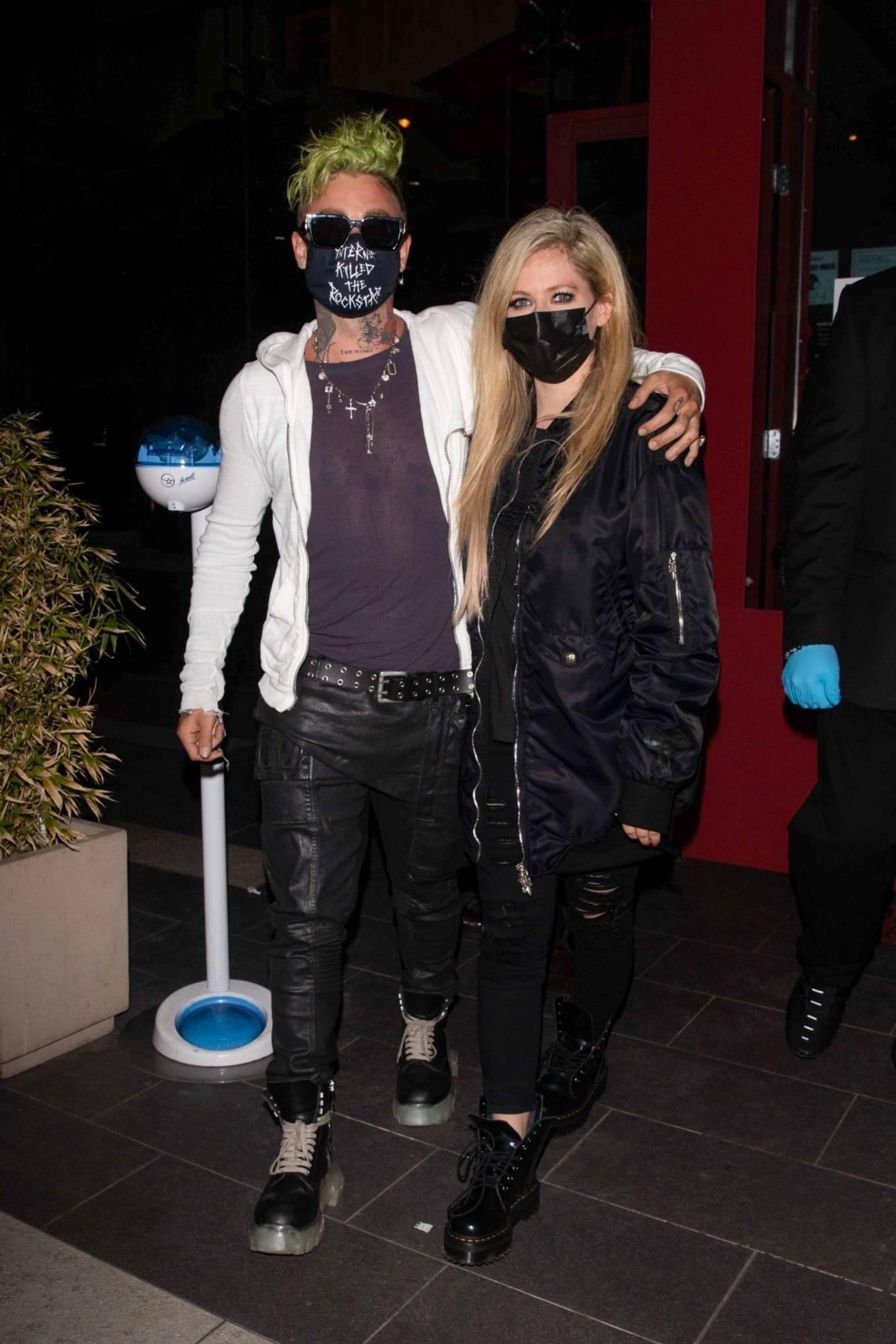 Avril Lavigne 2021 : Avril Lavigne – With Mod Sun seen leaving BOA Steakhouse in Los Angeles-01