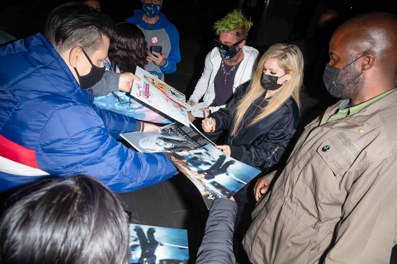 Avril Lavigne 2021 : Avril Lavigne – With Mod Sun seen leaving BOA Steakhouse in Los Angeles-02