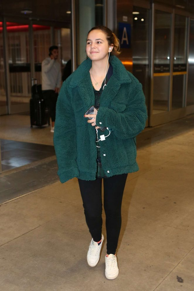 Bailee Madison - Arriving at Pearson International Airport in Toronto