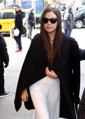 Bailee Madison - Leaving her NY Hotel