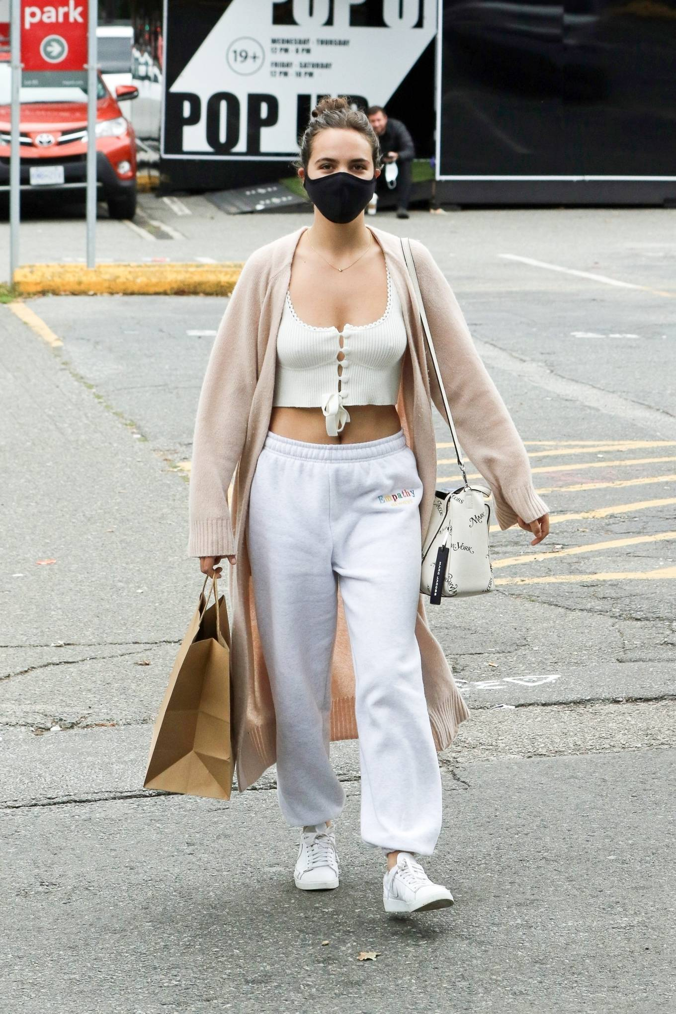 Bailee Madison 2020 : Bailee Madison – Out in Vancouver -10