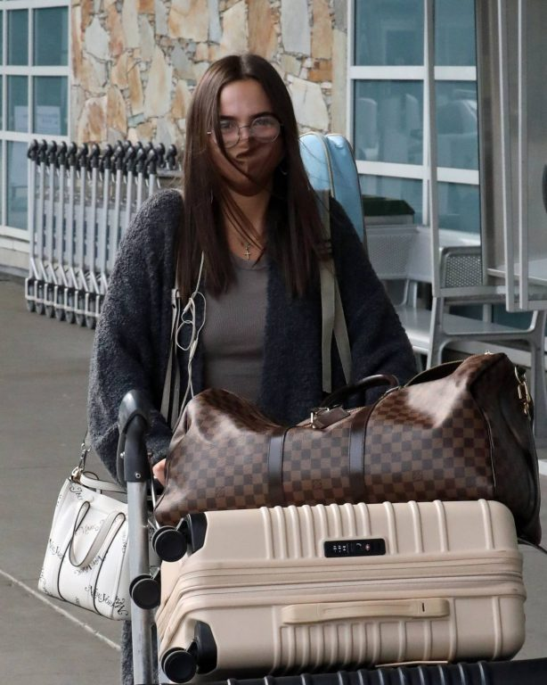 Bailee Madison - Out of Vancouver after filming 'Cinderella Story'