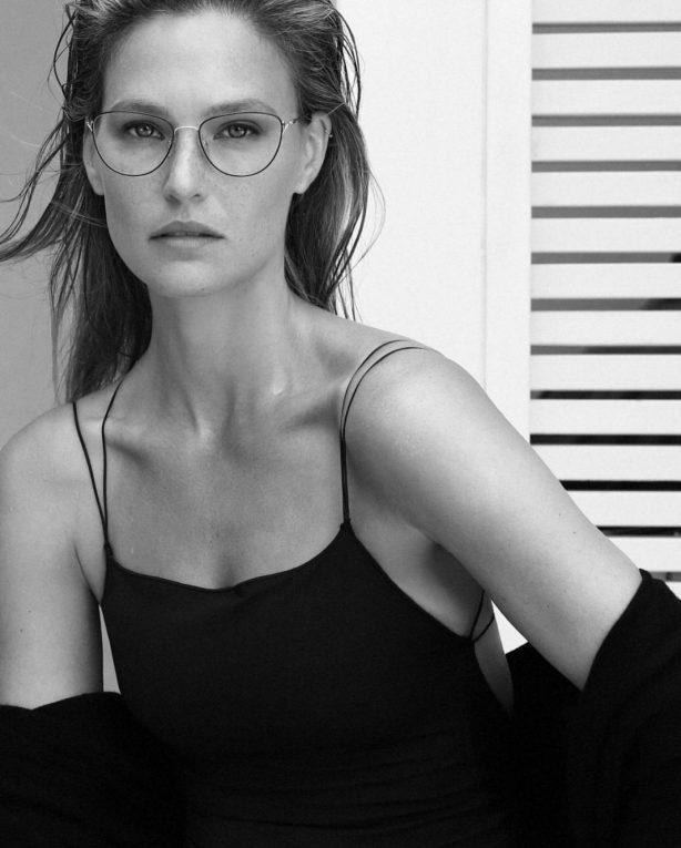 Bar Refaeli - Carolina Lemke Glasses (October 2020)